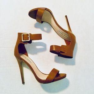 Steve Madden   Ankle Strap Stiletto Cognac (9)